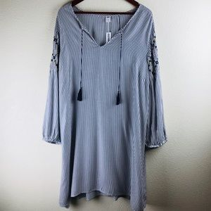 NWT Old Navy Boho Embroidered Peasant Shift Dress
